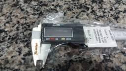 Paquimetro digital 150mm inox profissional com estojo mtx 316119