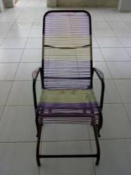 Cadeira de balanço em perfeito estado