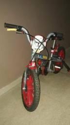 Vendo Bicicleta infantil Bandeirantes