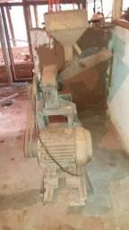 Triturador de milho. Motor já foi vendido