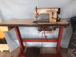 Máquina de Costura Industrial (linha reta)