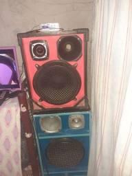 Vendo 2 caixas de som e um mini modulo amplificador 600 R$