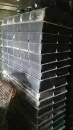 Forma para fabricação meio fio de concreto