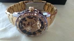 Vendo um relógio automático Novo