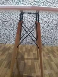 Mesa pé palito