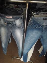 Lote de calças e blusas 85 reais