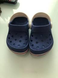 6 pares de sapato por 60 reais número 22/23