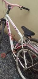 Vendo uma bicicleta bake muito boa pouco uso
