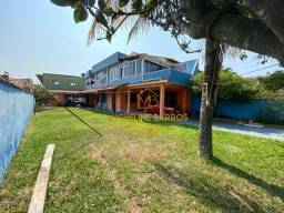 FC/ Oportunidade para quem procura investir, 4 suítes a venda em Unamar - Cabo Frio