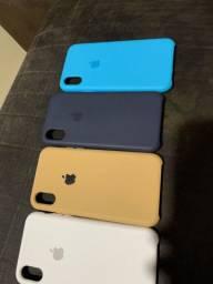 Cases iPhone X uma case carregador baseus e 4 cases silicone