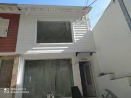 Casa comercial Rua Apinajes 698
