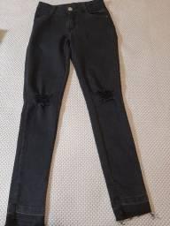 Calça jeans preta semi-nova