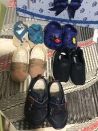 Calçados infantis tudo por 100 reais