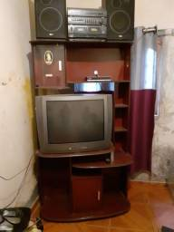 estante e televisão e radioo