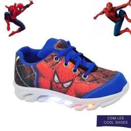 Tênis infantil com luzes de led do homem aranha - Promoção