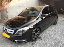 """Mercedes Benz B200 Sport """"Impecável"""""""