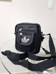 Bolsa preta Adidas