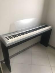 Piano Elétrico Yamaha P-95 completo