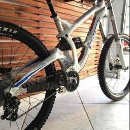 Bicicleta GT Fury 27,5 elite tamanho S