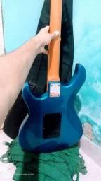 Vendo ou troco guitarra em violão eletrônico do meu interesse.