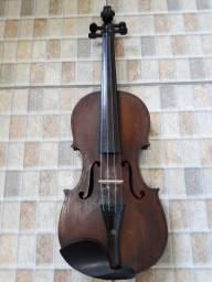 Violino muito antigo  aprox 100 anos