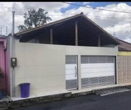Linda casa em condomínio 3/4 com piscina $320.00