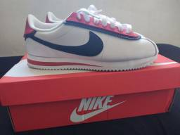 Nike Cortez SE Double Layered n° 39 BR (forma pequena)