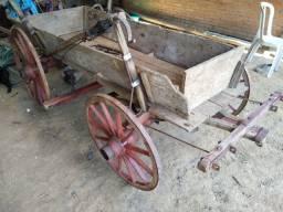 Vende-se esta carroça