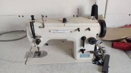 Máquina de costura reta 1200,00