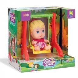 Boneca little playground balança menina