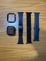 Apple watch S4 44mm + 3 pulseiras e case