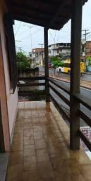 Casa 1° andar - Em frente a estação de trem de Coutos
