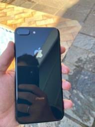 iPhone 8 Plus 64GB semi-novo