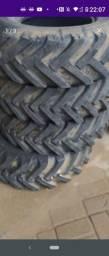 Vende se jogo de pneus.