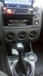 Fiesta sedan. ano 2005 .1.0 completo 95cv