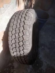 Vendo esse pneu
