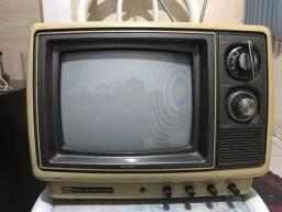Vendo Televisão antiga funcionando