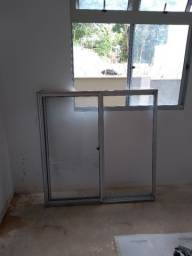 Janela alumínio com vidro