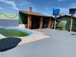 Casa com dois terrenos no São Gonçalo
