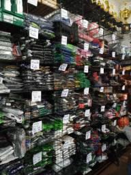 Estoque de roupas e calçados novos para logistas
