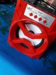 Caixinha de som vermelha