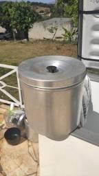 Lata de alumínio com tampa