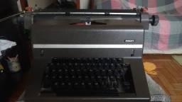 Maquina de escrever Facit 1742