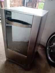 Máquina de lavar pratos