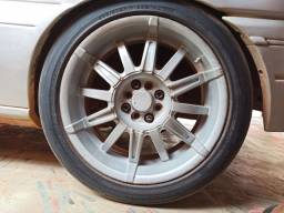 4 Rodas aro 17 de 8 furos com pneus meia vida
