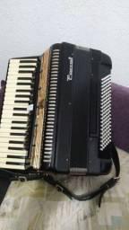 Acordeon perrot eletreficada 120baixos 13 registros nos teclados e 5nos baixos