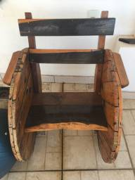 Cadeira decorativa de madeira