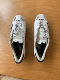 Sapatilha de ciclismo Sidi Shot tamanho 43 (45 Europeu)