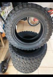 Vendo 4 pneus seminovos medida 205/70R15