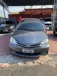 Etios Sedan 2013 R$27.900+duas rodas novas - 2015